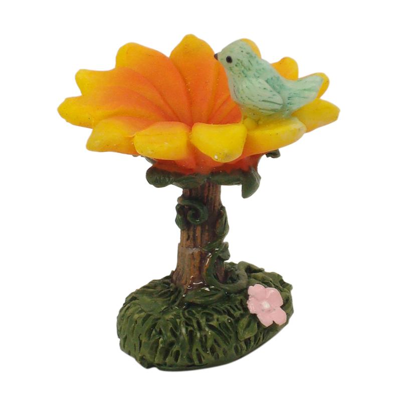 Enchanted Garden Miniatures - Hang-Sell - Bird Bath 5cm